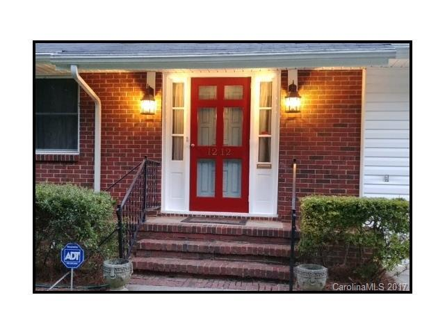 1212 Belrose Lane, Charlotte, NC 28209 (#3322193) :: Pridemore Properties