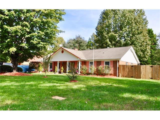 3212 Cross Winds Road, Charlotte, NC 28227 (#3324288) :: Exit Mountain Realty