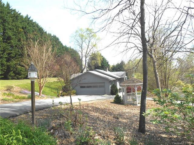 21 Winners Circle, Tryon, NC 28782 (#3325199) :: Puffer Properties