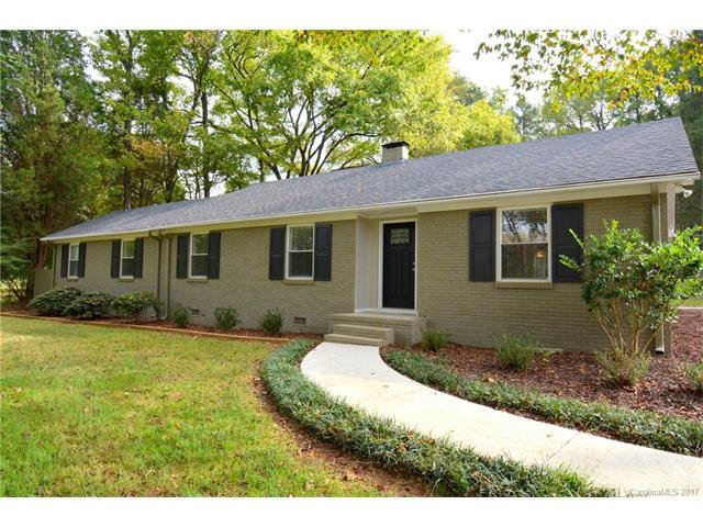 7704 Reames Road, Charlotte, NC 28216 (#3329289) :: The Sarver Group