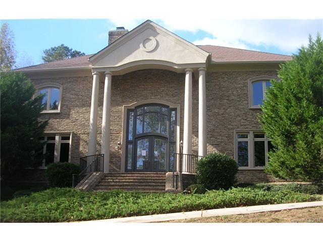 1516 Glenn Valley Drive, Matthews, NC 28105 (#3330402) :: Miller Realty Group