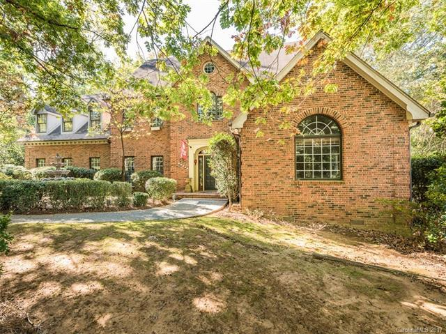 10121 Balmoral Circle, Charlotte, NC 28210 (#3334482) :: LePage Johnson Realty Group, LLC