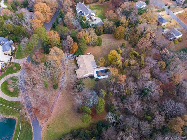 5019 Carmel Park Drive, Charlotte, NC 28226 (#3342426) :: Charlotte's Finest Properties