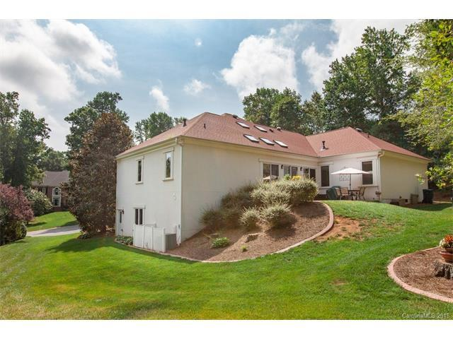 1004 Berwick Court, Waxhaw, NC 28173 (#3348097) :: Stephen Cooley Real Estate Group