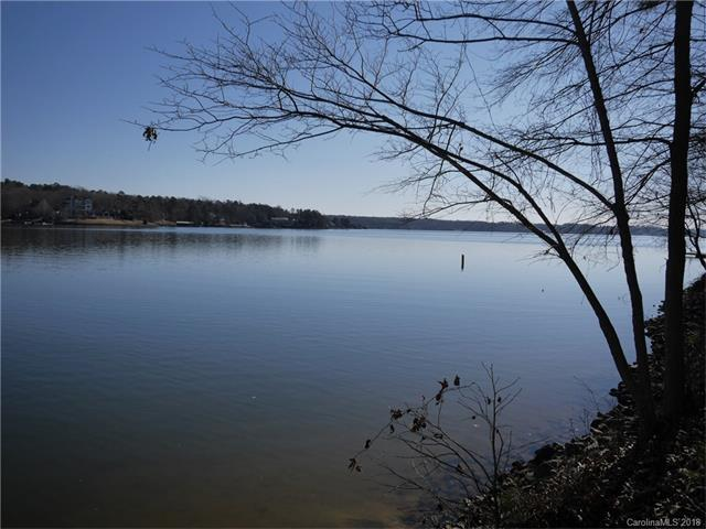 739 Anchors Bend Cove, Lake Wylie, SC 29710 (#3349142) :: Homes Charlotte