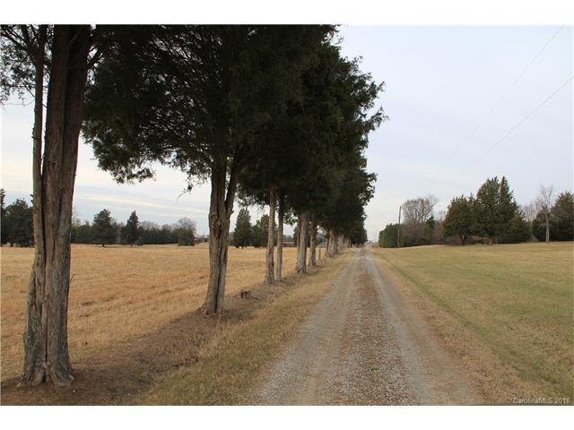 3262 Salisbury Highway, Statesville, NC 28677 (#3351990) :: Mossy Oak Properties Land and Luxury