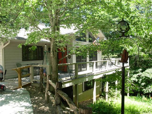 233 Pleasant View Drive, Lake Toxaway, NC 28747 (#3352006) :: Rinehart Realty