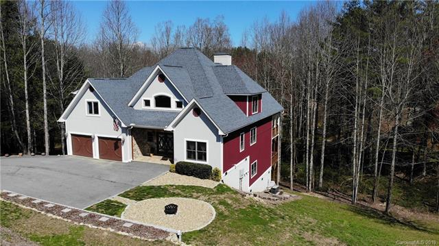 3012 Hickory Nut Trail, Hendersonville, NC 28739 (#3353107) :: LePage Johnson Realty Group, LLC