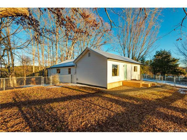 20 Indian Camp Branch Road, Weaverville, NC 28787 (#3353122) :: Rowena Patton's All-Star Powerhouse @ Keller Williams Professionals