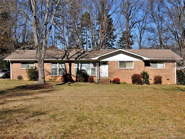 6043 Kinghurst Drive, Charlotte, NC 28227 (#3355579) :: LePage Johnson Realty Group, LLC