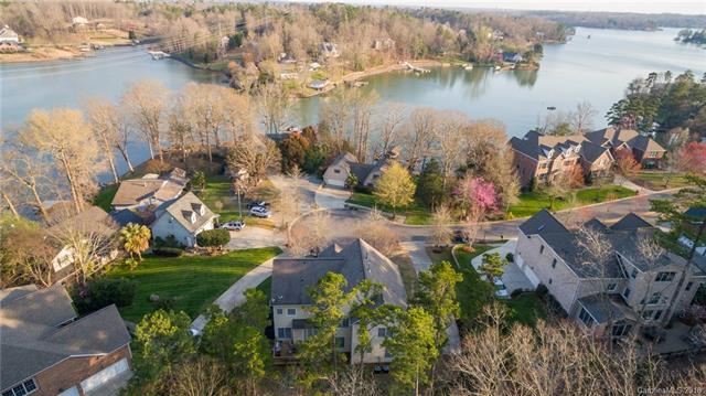 959 Rocky Point Lane, Tega Cay, SC 29708 (#3358170) :: Miller Realty Group