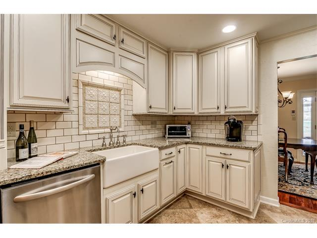 8323 Meadow Lakes Drive, Charlotte, NC 28210 (#3358264) :: Exit Mountain Realty