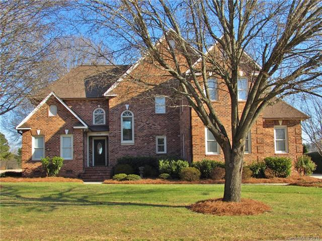 1539 12th Fairway Drive, Concord, NC 28027 (#3359775) :: Rinehart Realty