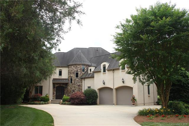 1561 12th Fairway Drive NW, Concord, NC 28027 (#3359892) :: Rinehart Realty