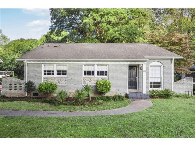 1319 Paddock Circle, Charlotte, NC 28209 (#3362075) :: The Andy Bovender Team