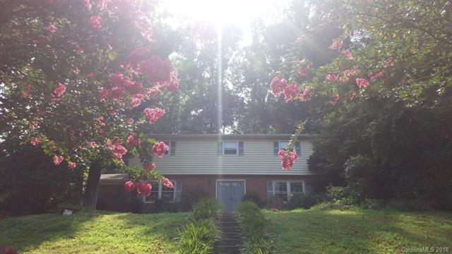 6730 Pencade Lane, Charlotte, NC 28215 (#3362988) :: LePage Johnson Realty Group, LLC