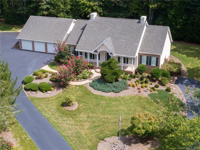 15 Four Oaks Drive, Arden, NC 28704 (#3363348) :: Puffer Properties