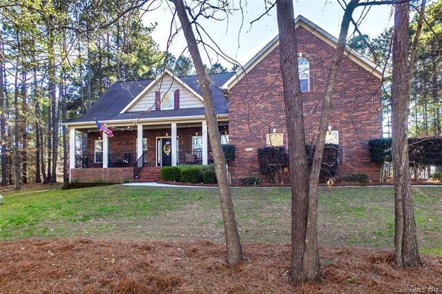212 Indian Trail, Mooresville, NC 28117 (#3366008) :: The Ann Rudd Group