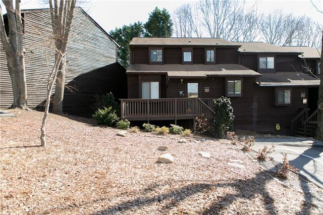 1026 North Center Street, Hickory, NC 28601 (#3366755) :: High Performance Real Estate Advisors