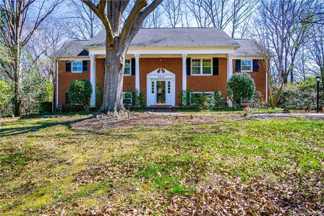 6809 Knightswood Drive, Charlotte, NC 28226 (#3367981) :: Robert Greene Real Estate, Inc.