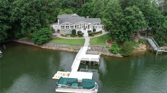 207 Riverview Terrace, Lake Wylie, SC 29710 (#3369613) :: Miller Realty Group