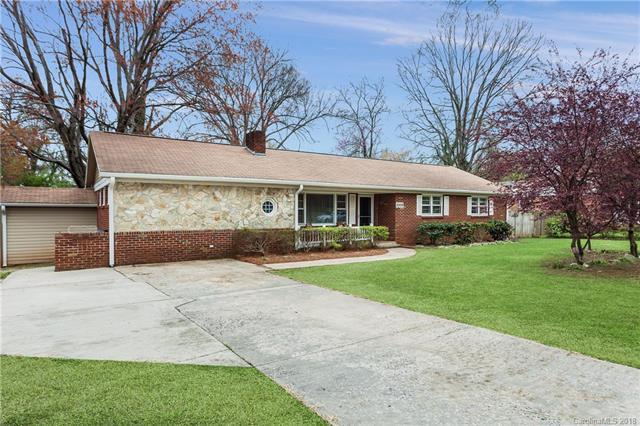 2009 Sandhurst Drive, Charlotte, NC 28205 (#3371185) :: Stephen Cooley Real Estate Group