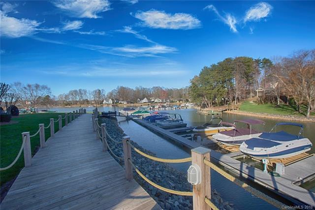 107 Pier 33 Drive, Mooresville, NC 28117 (#3371858) :: Besecker Homes Team