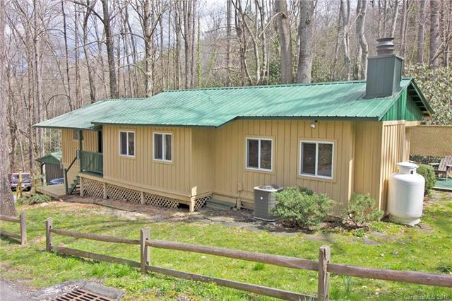 285 Bradley Street, Maggie Valley, NC 28751 (#3375196) :: LePage Johnson Realty Group, LLC