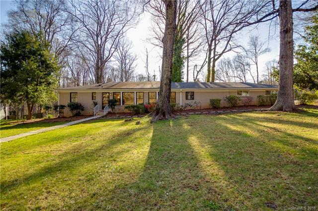 7022 Lakeside Drive, Charlotte, NC 28215 (#3375796) :: The Andy Bovender Team