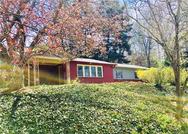105 E Euclid Parkway E, Asheville, NC 28804 (#3377444) :: The Andy Bovender Team