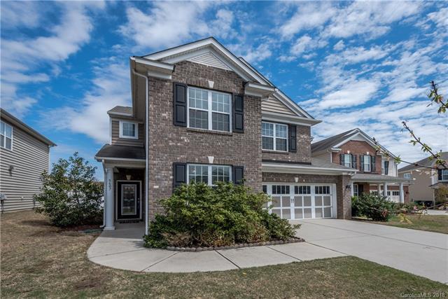 5607 Lago Vista Court, Charlotte, NC 28277 (#3378951) :: Scarlett Real Estate