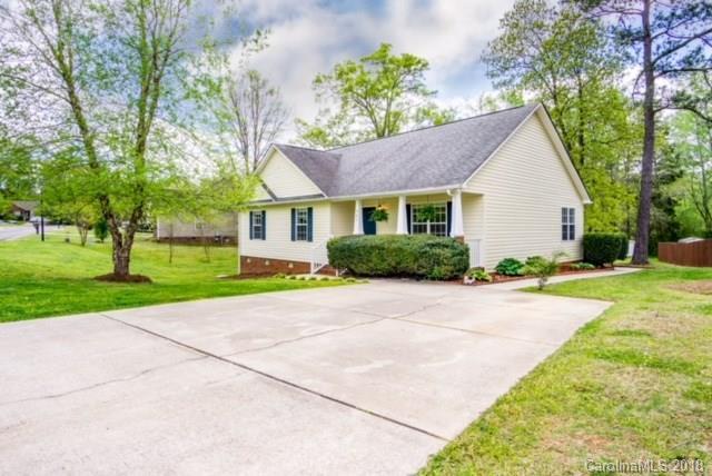527 Menzies Drive, Rock Hill, SC 29730 (#3379975) :: Cloninger Properties