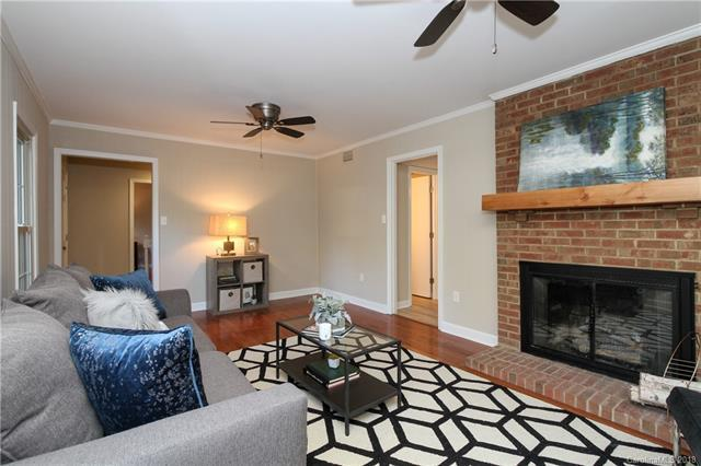 2736 Lawton Bluff Road, Charlotte, NC 28226 (#3380111) :: Carlyle Properties