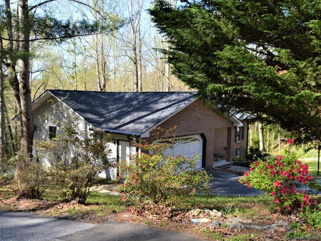 19 Loggers Run, Hendersonville, NC 28739 (#3381787) :: Robert Greene Real Estate, Inc.