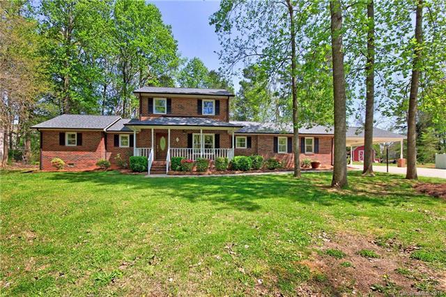300 Farmstead Lane, Mooresville, NC 28117 (#3382866) :: Robert Greene Real Estate, Inc.