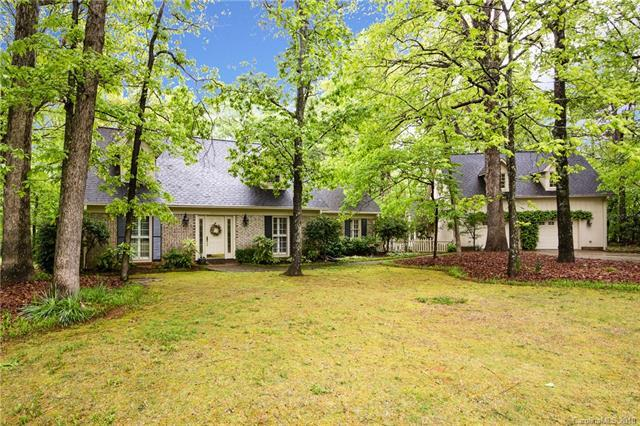 4800 Golfview Court, Mint Hill, NC 28227 (#3383839) :: Scarlett Real Estate