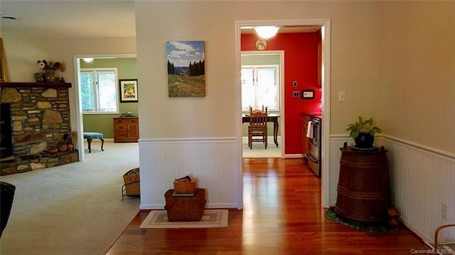 16 W Woodsong Lane, Brevard, NC 28712 (#3386013) :: Miller Realty Group