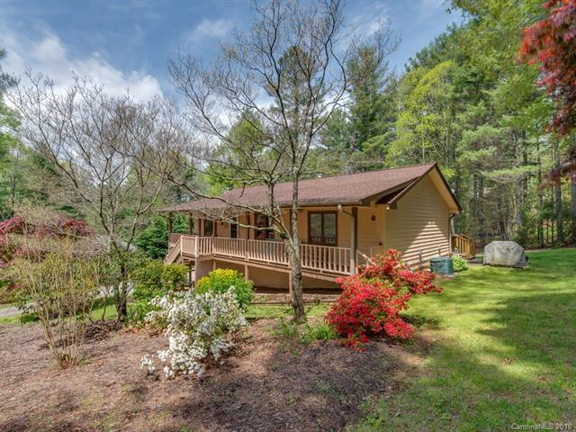 209 Pine Cove Lane, Hendersonville, NC 28739 (#3386342) :: Charlotte Home Experts
