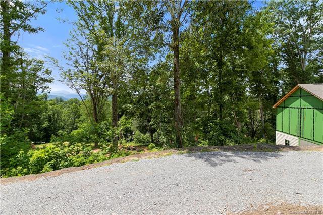 127 Cairens Ridge Drive, Mills River, NC 28759 (#3388107) :: Besecker Homes Team