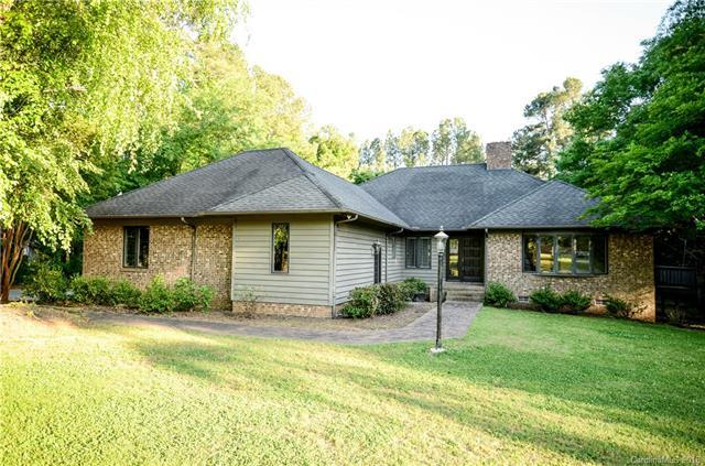 300 Nottingham Way, Wadesboro, NC 28170 (#3388972) :: Rinehart Realty