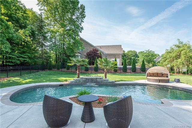 400 Adare Court, Matthews, NC 28104 (#3388985) :: Leigh Brown and Associates with RE/MAX Executive Realty