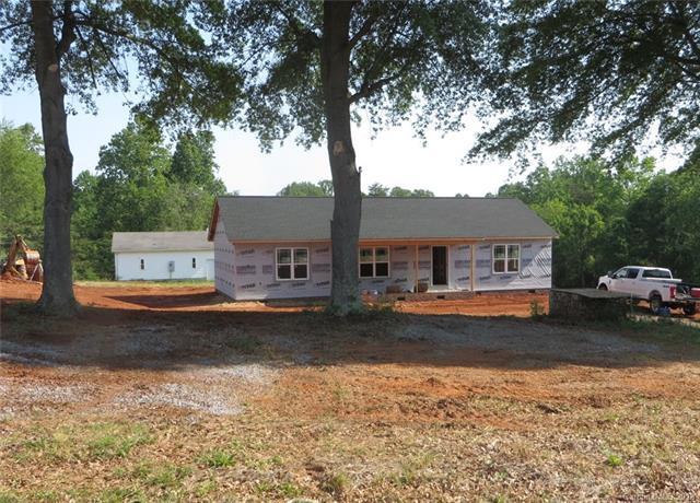 1084 Park Circle, Lincolnton, NC 28092 (#3389570) :: Cloninger Properties