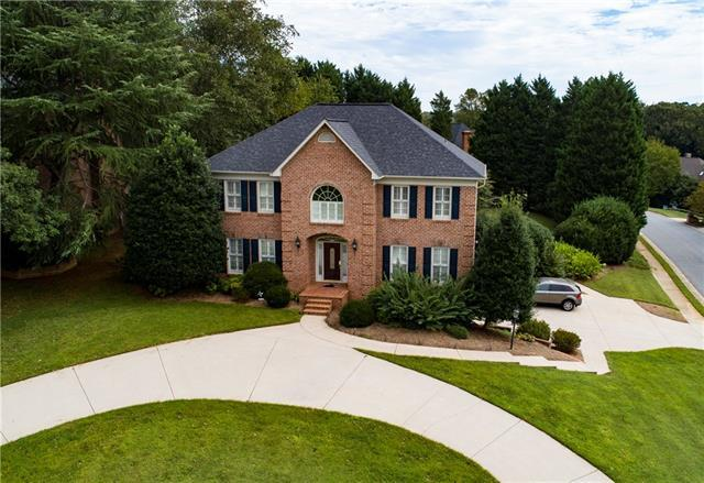4308 3rd St Place NW, Hickory, NC 28601 (#3390262) :: Rowena Patton's All-Star Powerhouse