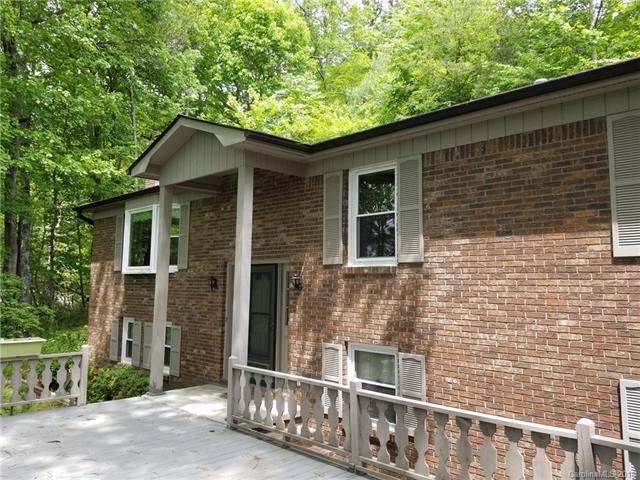322 Colony Lane, Hendersonville, NC 28791 (#3392193) :: LePage Johnson Realty Group, LLC