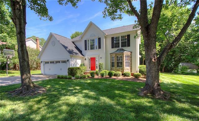 9724 Beaver Hollow Court, Charlotte, NC 28269 (#3394199) :: Team Southline