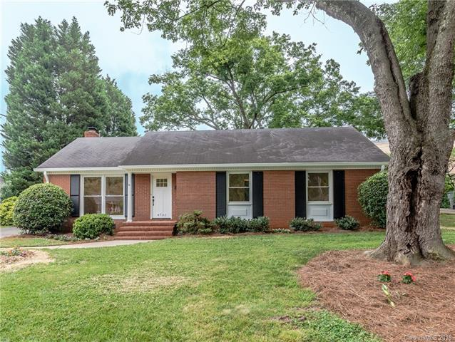 4721 Walden Court, Charlotte, NC 28210 (#3394694) :: The Andy Bovender Team