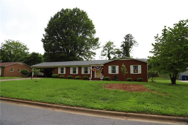 817 Woods Drive, Statesville, NC 28677 (#3395883) :: Odell Realty Group