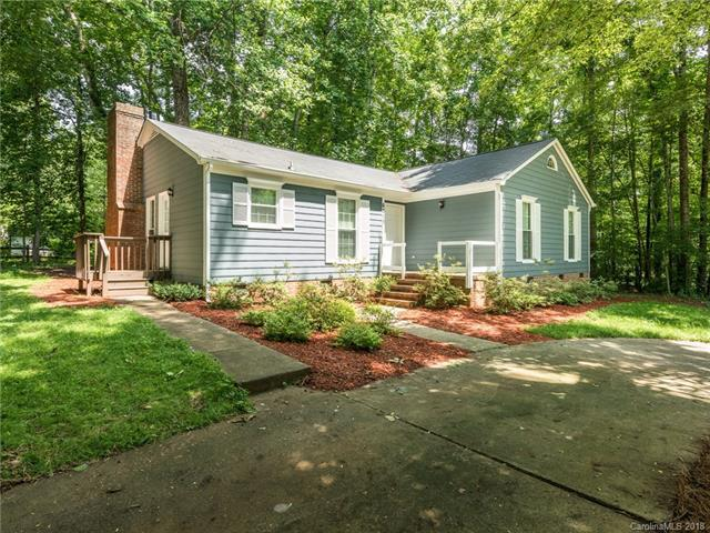 6313 Grove Park Boulevard, Charlotte, NC 28215 (#3398292) :: Stephen Cooley Real Estate Group