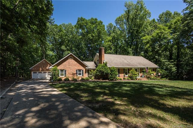 5928 Lancelot Drive, Charlotte, NC 28270 (#3399038) :: Odell Realty Group