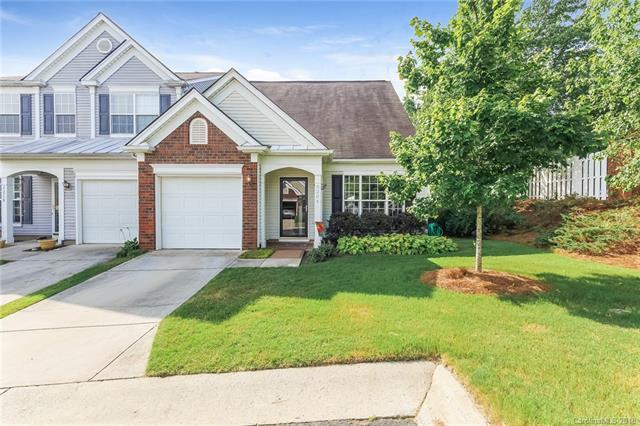 8204 Gossomer Bay Drive, Charlotte, NC 28270 (#3400757) :: The Andy Bovender Team